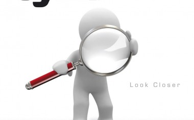 REVIEW : Look Closer