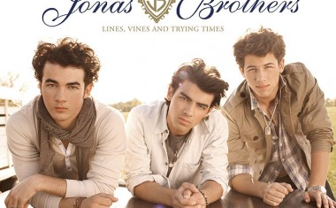 US NO.1 FOR THE JONAS BROTHERS
