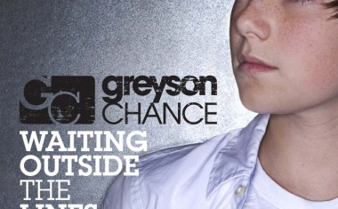 GREYSON CHANCE : Waiting Outside The Lines
