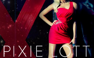 PIXIE LOTT : Kiss The Stars
