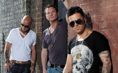 TOURING : East 17