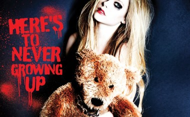 AVRIL LAVIGNE : Here's To Never Growing Up