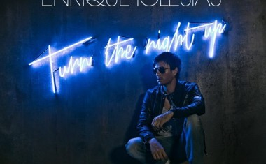 ENRIQUE IGLESIAS : Turn The Night Up