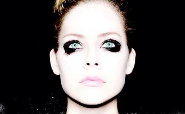 NEW AVRIL INCOMING