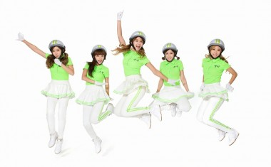 COLOUR YOUR FRIDAY WITH CRAYONPOP