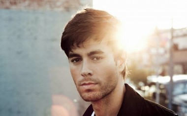 ENRIQUE PROMISES SEX + LOVE