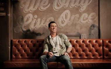 SHANNON NOLL : We Only Live Once