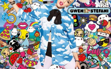 GWEN STEFANI : Spark The Fire