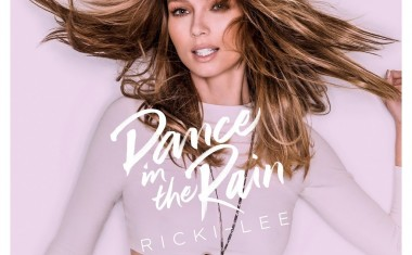 RICKI-LEE READY TO DANCE... IN THE RAIN