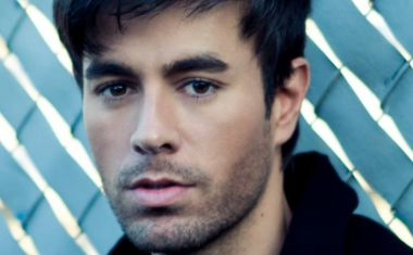 ENRIQUE IGLESIAS FTG. PITBULL : Let Me Be Your Lover