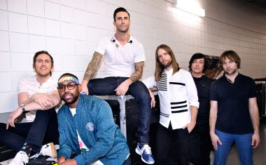 MAROON 5 : This Summer's Gonna Hurt Like A Motherf****r