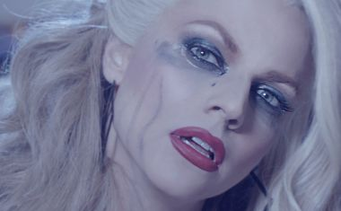 COURTNEY ACT : Ugly