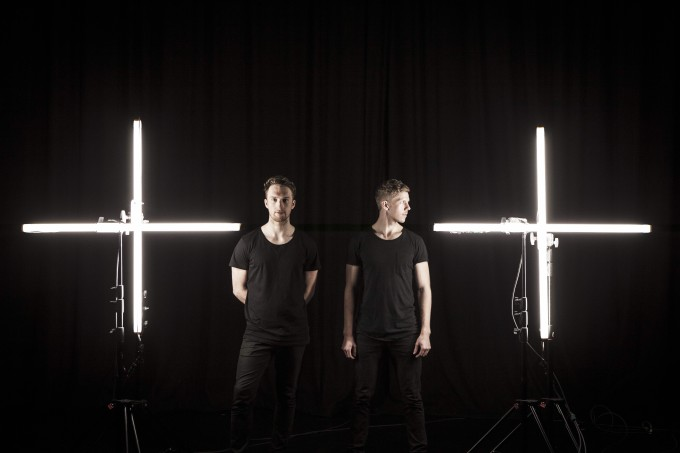DIVIDEM_Press Shot