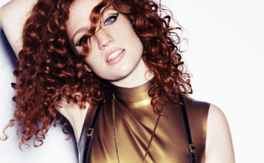 VIDEO : Jess Glynne - Ain't Got Far To Go