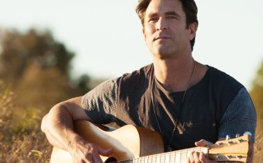 TOURING : Pete Murray