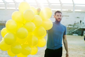 Will Young balloons