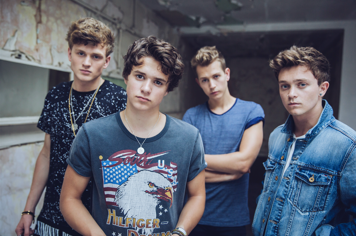 Here Come The Vamps Auspop