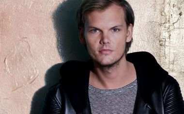 VIDEO : Avicii - Broken Arrows