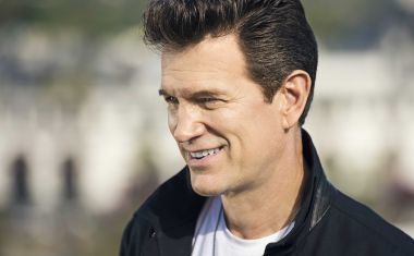 CHRIS ISAAK'S SYDNEY SECONDS
