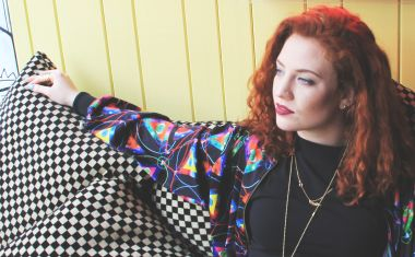 VIDEO : Jess Glynne - Take Me Home