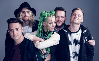 VIDEO : Tonight Alive - Drive