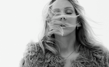 VIDEO : Ellie Goulding - Army