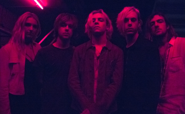 VIDEO : R5 - Dark Side