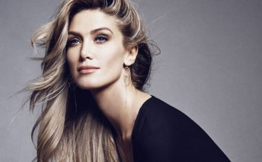 POP CHAT : Delta Goodrem