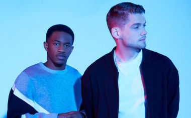 VIDEO : MKTO - Superstitious