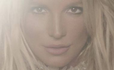 GLORY, IT'S A NEW BRITNEY ALBUM!