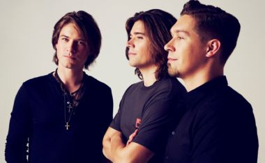 HANSON INCOMING WITH 25TH ANNIVERSARY TOUR