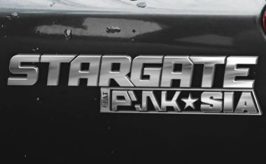 IT'S THE STARGATE SIA PINK VIDEO