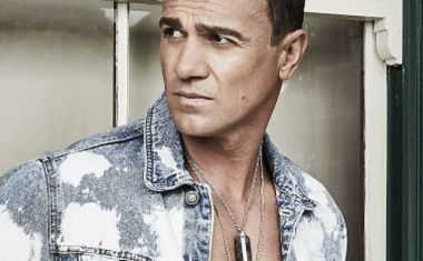 SHANNON NOLL SHINES IN SOUTHERN SKY