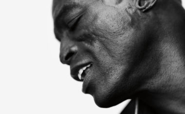 SEAL CONFIRMS 'STANDARDS' TOUR
