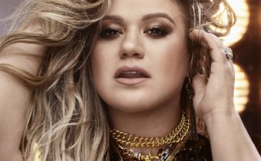 WATCH KELLY CLARKSON'S 'I DON'T THINK ABOUT YOU'