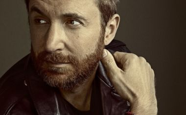 DAVID GUETTA IGNITES 'FLAMES' VIDEO