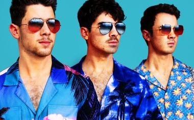 HERE'S A COOL NEW JONAS BROTHER SINGLE
