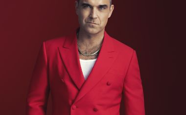ROBBIE WILLIAMS DELIVERS 'THE CHRISTMAS PRESENT'